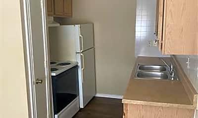 Kitchen, 4521 Columbia Ave 104, 1