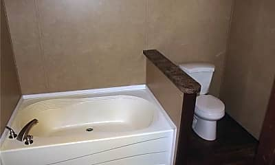 Bathroom, 4584 Hob Warren Rd, 2