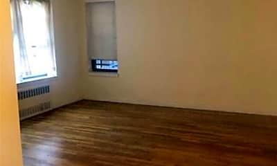 Living Room, 2244 Bronx Park E 4E, 0