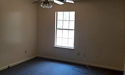 Bedroom, 923 W Oak Ave, 2