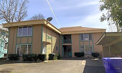 Building, 5420 SE Lafayette St, 1