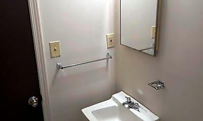 Bathroom, 902 Sinclair St, 2