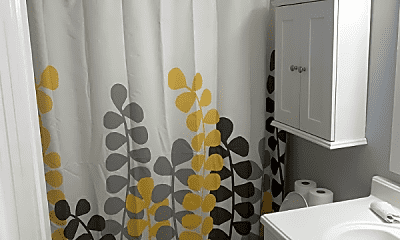 Bathroom, 514 Eastview Cir, 2