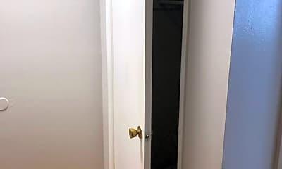 Bathroom, 3821 Itaska St, 2