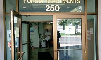 Forum Apartments, 1