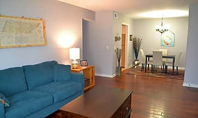 Living Room, 214 Old Hickory Blvd, 1