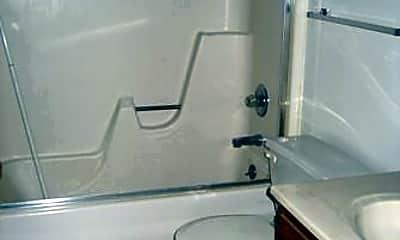 Bathroom, 1012 E Burlington St, 2