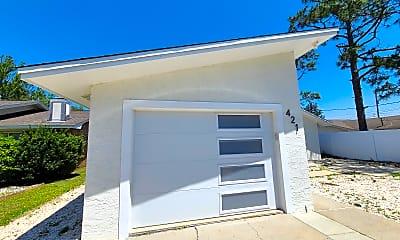 Building, 421 Oleander Cir, 2