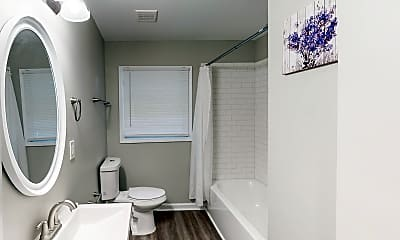 Bathroom, Room for Rent -  a 10 minute walk to bus stop Brow, 1