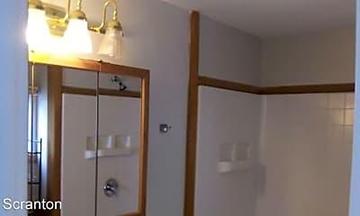 Bathroom, 421 Willow St, 2