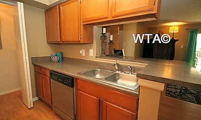 Kitchen, 3101 Shoreline Dr, 1