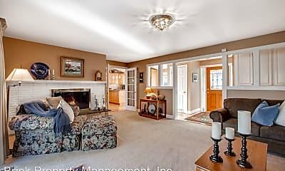 Living Room, 12522 SE 16th St, 1