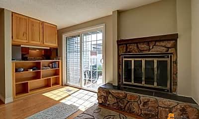 Living Room, 3284 Montpelier Ct, 1