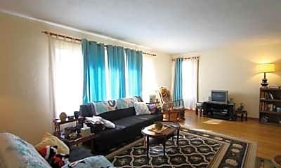 Living Room, 6634 Oakview Dr N, 1