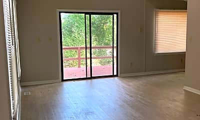 Building, 403 Coolidge St, 1