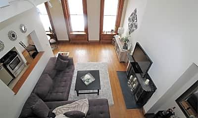 Living Room, 102 E North Ave, 1