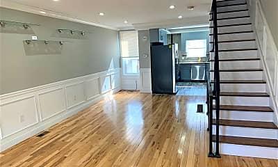 Living Room, 2811 S Franklin St, 1