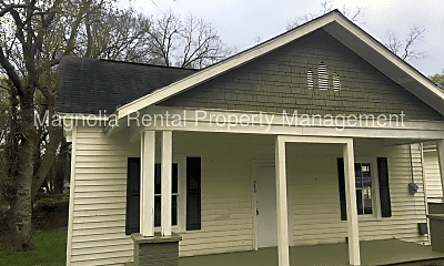 Building, 543 Saxon Ave, 2