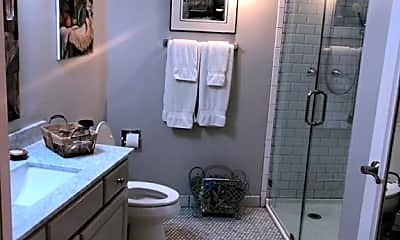 Bathroom, 823 S Water St, 1