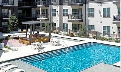 Pool, 1424 Summit Ave, 2
