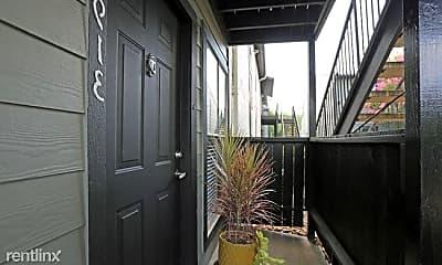 Patio / Deck, 2401 Westridge St, 1