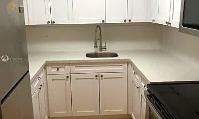 Kitchen, 1805 W 56th St 412, 1