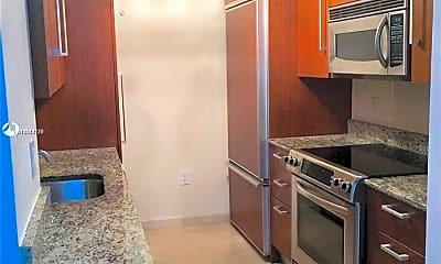 Kitchen, 10275 Collins Ave 1417, 1