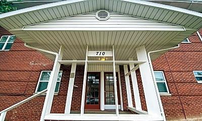 Building, 710 Culbertson Dr, 2