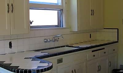 Kitchen, 324 Caliente, 2