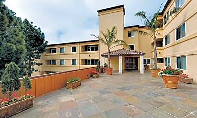 Courtyard, Horizons West Apartments, 0