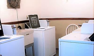 Kitchen, 539 S Wasson Ln, 2