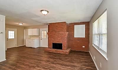 Living Room, 2826 Hyde Park Dr, 1