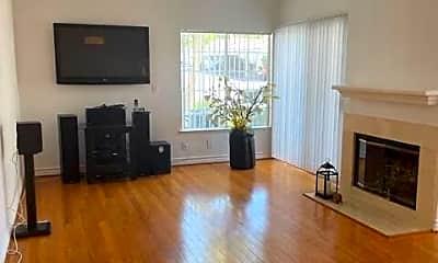 Living Room, 5480 Spanish Oak Ln, 2