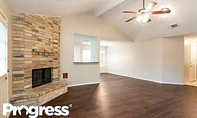 Living Room, 13435 Klamath Falls Dr, 1