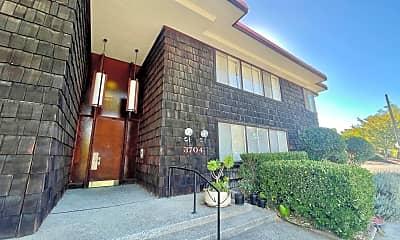 Building, 3704 Bonnie Ln, 1