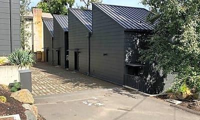 Building, 31 D Ave, 1