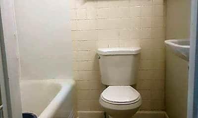 Bathroom, 33 S High St, 2