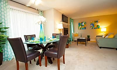 Dining Room, Sterling Oaks Apartments, 1