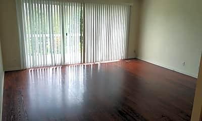 Living Room, 5844 Cedar St, 2