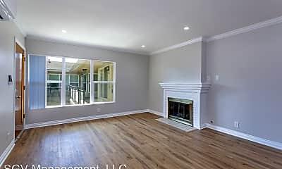 Living Room, 1001 W Huntington Dr, 1
