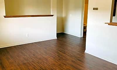 Living Room, 1209 E Fire Tower Rd, 1