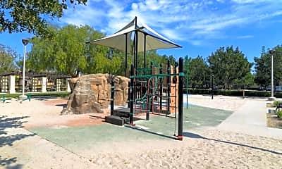 Playground, 21 Bijou, 2