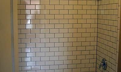Bathroom, 2710 Cherokee St, 2
