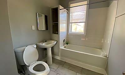 Bathroom, 8401 S Muskegon Ave, 2