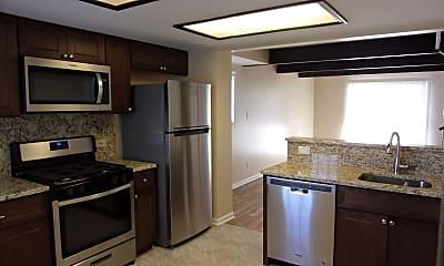 Kitchen, 337 Meadow Green Ln, 1