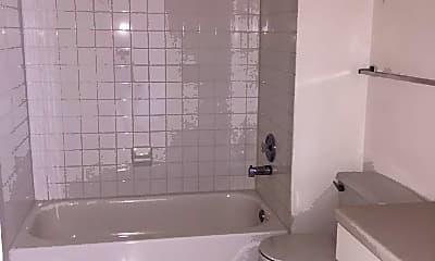 Bathroom, 1625 W Howard St, 0