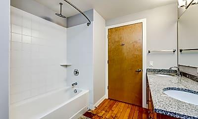 Bathroom, Pioneer-Endicott Building, 2