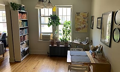 Living Room, 1425 W Farwell Ave, 0
