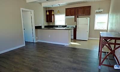 Kitchen, 632 Mesa Dr 632, 1