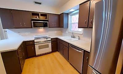 Kitchen, 318 8th St A, 1